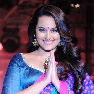 Models And Sonakshi Sinha Walks The Ramp
