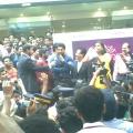allu-arjun-at-mall-of-joy-kerala-stills-20