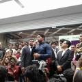 allu-arjun-at-mall-of-joy-kerala-stills-26