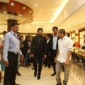 allu-arjun-at-mall-of-joy-kerala-stills-9