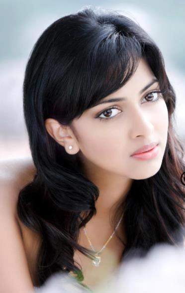 amala-paul-malayalam-actress-stills-11