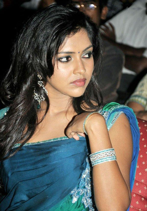 amala-paul-malayalam-actress-stills-12