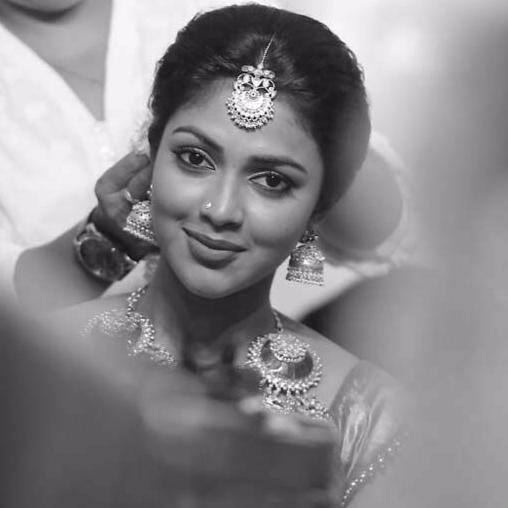 amala-paul-malayalam-actress-stills-4