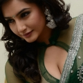 ragini-dwivedi-hot-cleavage-stills-1