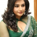 ragini-dwivedi-hot-cleavage-stills-7