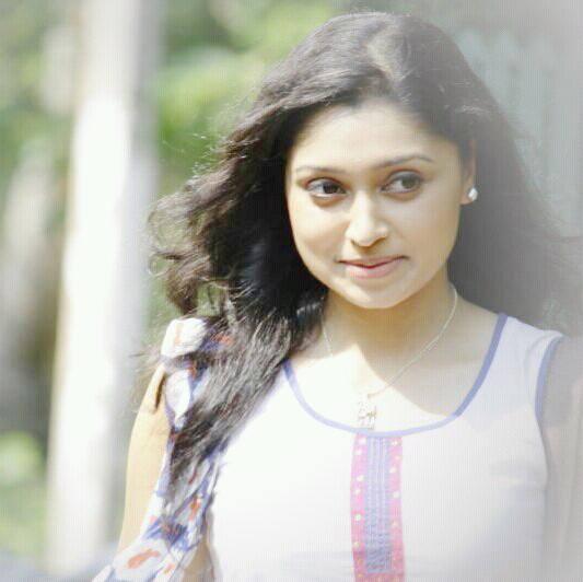 sija-rose-malayalam-actress-stills10