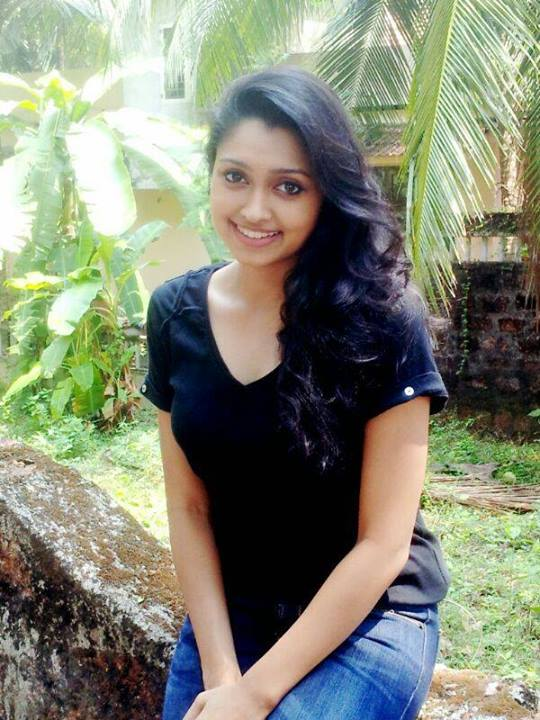 sija-rose-malayalam-actress-stills11