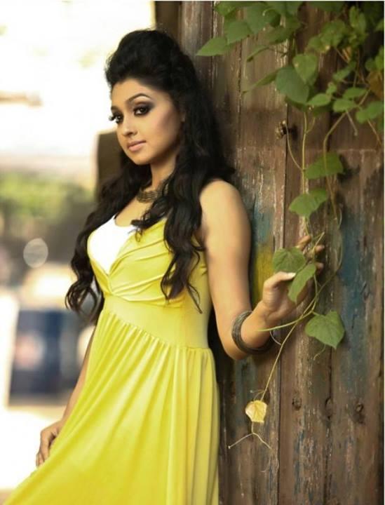 sija-rose-malayalam-actress-stills12